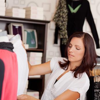 Wo Damenmode auf Rechnung online kaufen & bestellen?
